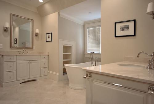 Bathroom featuring elegant Crema-Marfil Marble