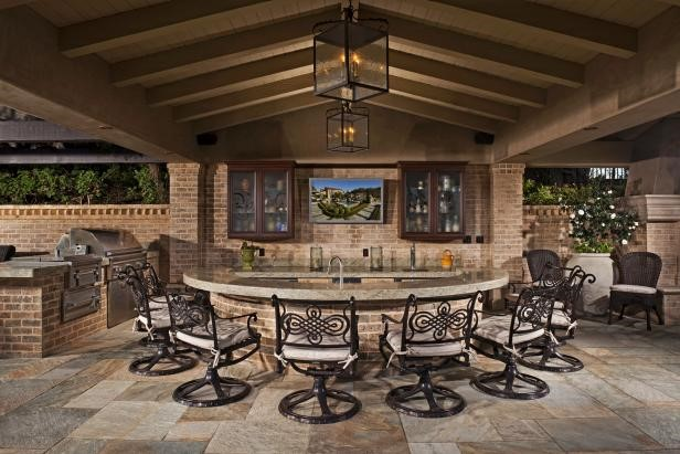 Outdoor Kitchen - Granite Countertops